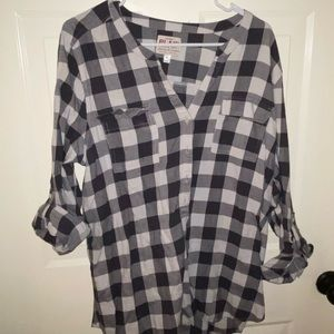 Old navy plaid size XL GREY AND WHITE